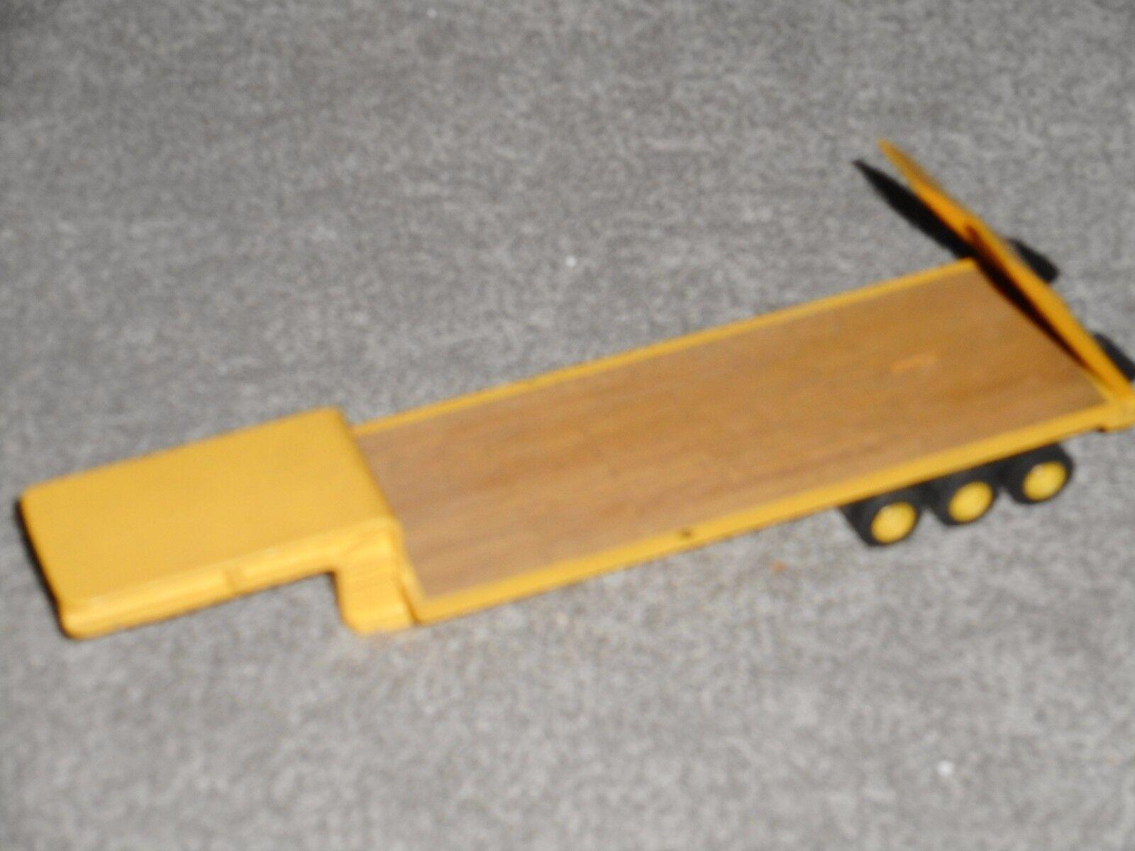 Remorque surbaissée plateau plancher bois    kit monté métal 1 50