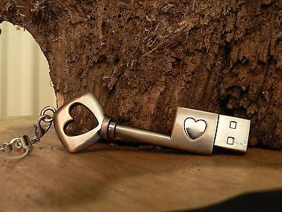 USB Stick 16GB Schlüssel Herz Liebe Geschenk neu Valentinstag Antik Design