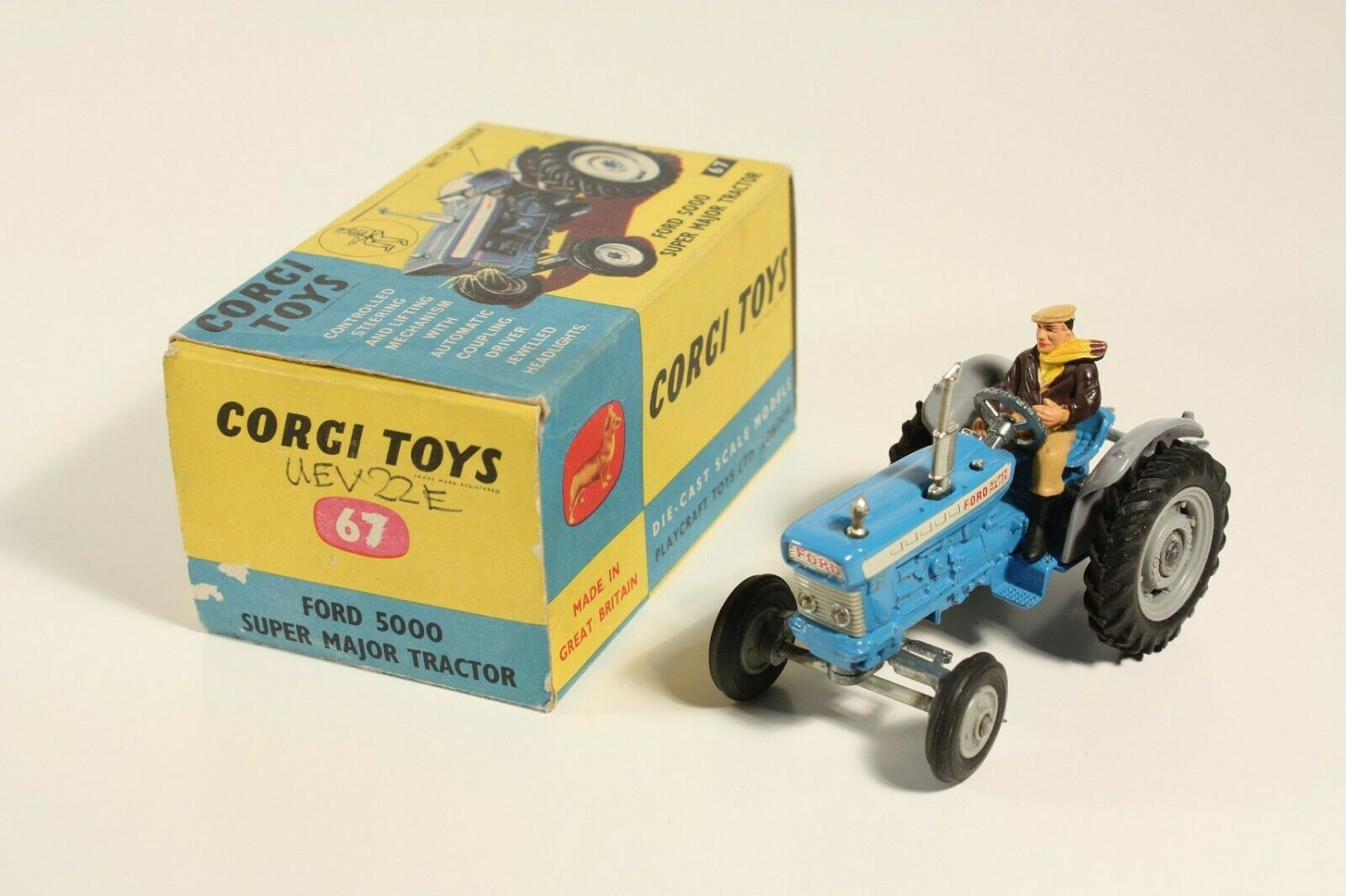 Corgi Toys 67, Ford 5000 Super Major Tractor, Mint in Box                 ab2299