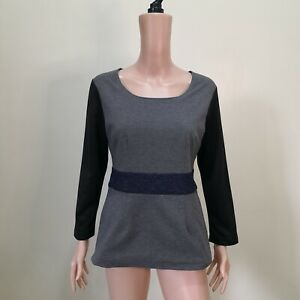 C1173-112-Mountain-Yam-Gray-Top-with-Black-Sleeves