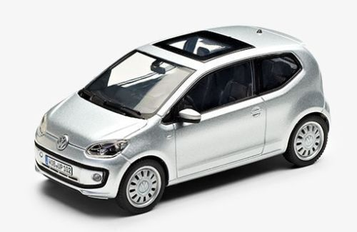 VW UP! 2 TÜRER 1:43 LIGHT SILVER METALLIC MODELL MODELLAUTO – NEU ORIGINAL VW