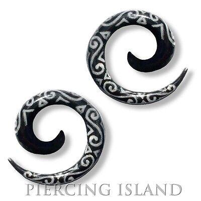 Paar 4-8mm Dehnungssichel Spirale Horn Flesh Tunnel Plug Ohr Ear Piercing 005