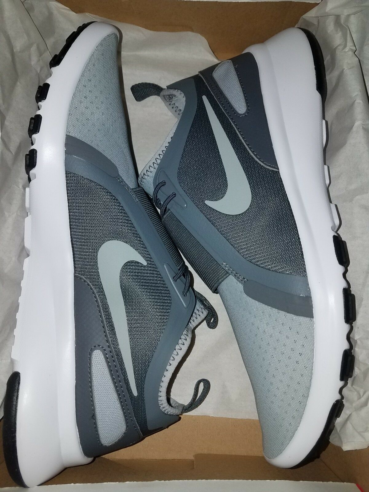 Mens Nike Current Slip On. Brand New in Box. 874160001. Size 9.5