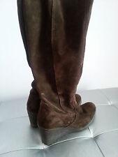 Stivali zeppa, scamosciati colore marrone