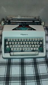 1966 Olympia SM9 Deluxe Portable Typewriter, Near Mint Condition W Case