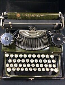 1920's Underwood Portable Typewriter Green Woodgrain w/ Case