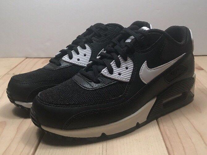 Nike Air Max 90 Essential - 616730-023 - Black/White Size 6.5 Wmns
