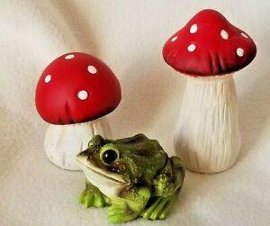 Set of 2, Garden Mushroom, Toad Stools, Ceramic Outdoor Garden Art, NEW