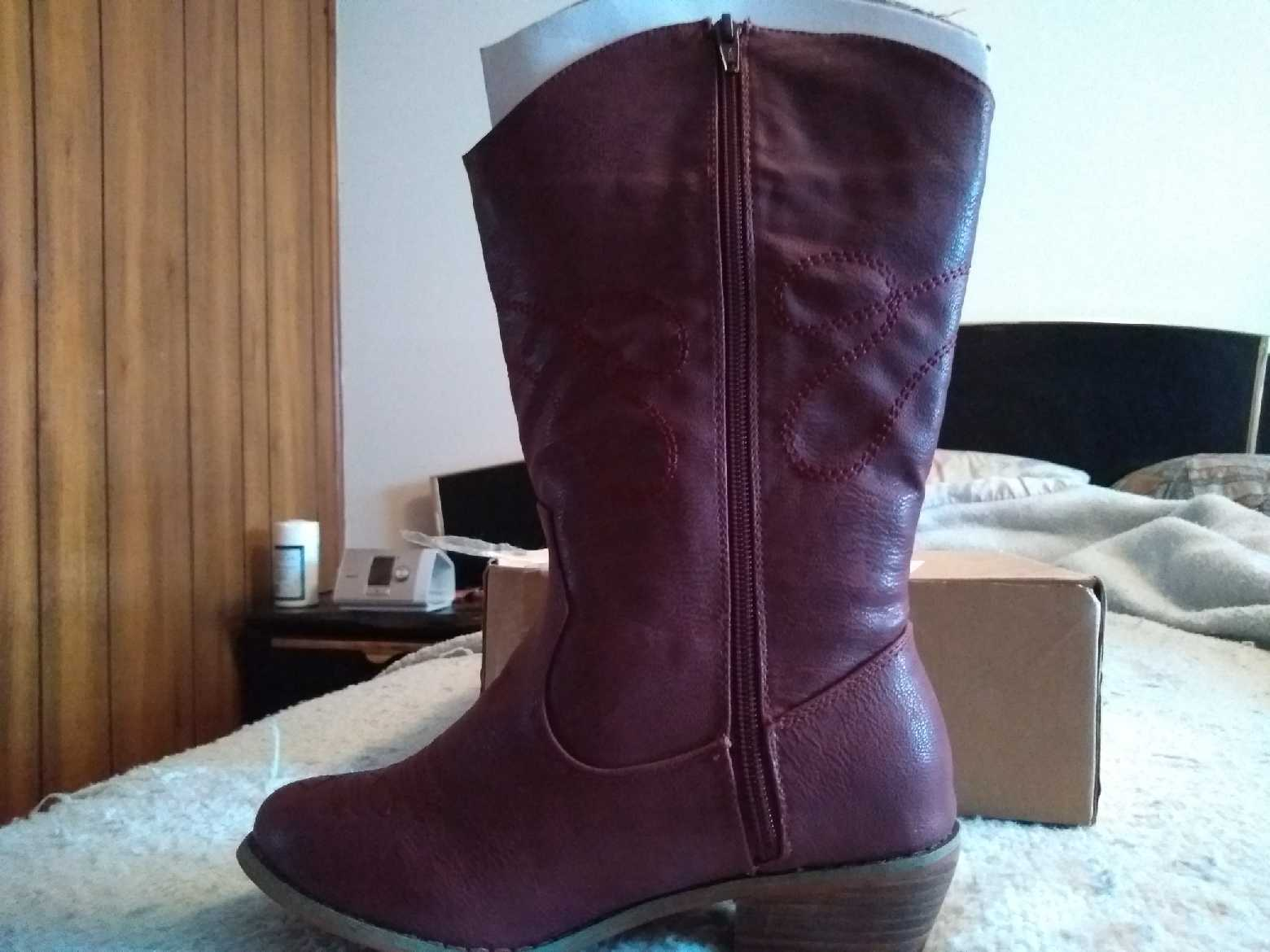 Comfort View Woman Within Size 7 Wide Calf Solid Burgundy Boots New