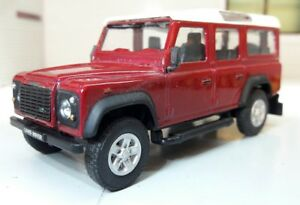1-43-Maquette-Land-Rover-Defender-110-Station-LWB-TDi-TD5-Cararama-Oxford-ROUGE