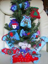 Christmas Crackers Mojo - Tree Trims/Soft Toy/ 3 sizes Crackers Knitting Pattern