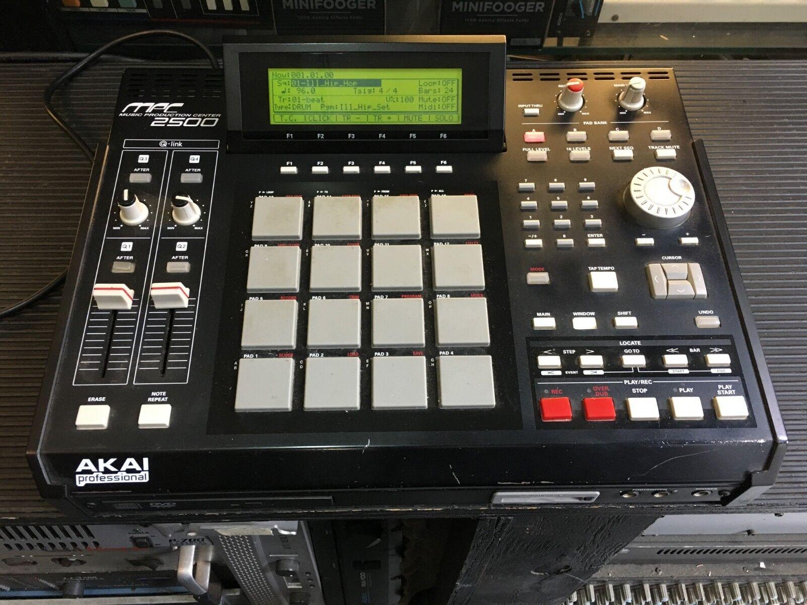 AKAI MPC2500 CD  CF Karte, MPC 2500,128 Meg,Drum Pad   Sampler   ARMENS