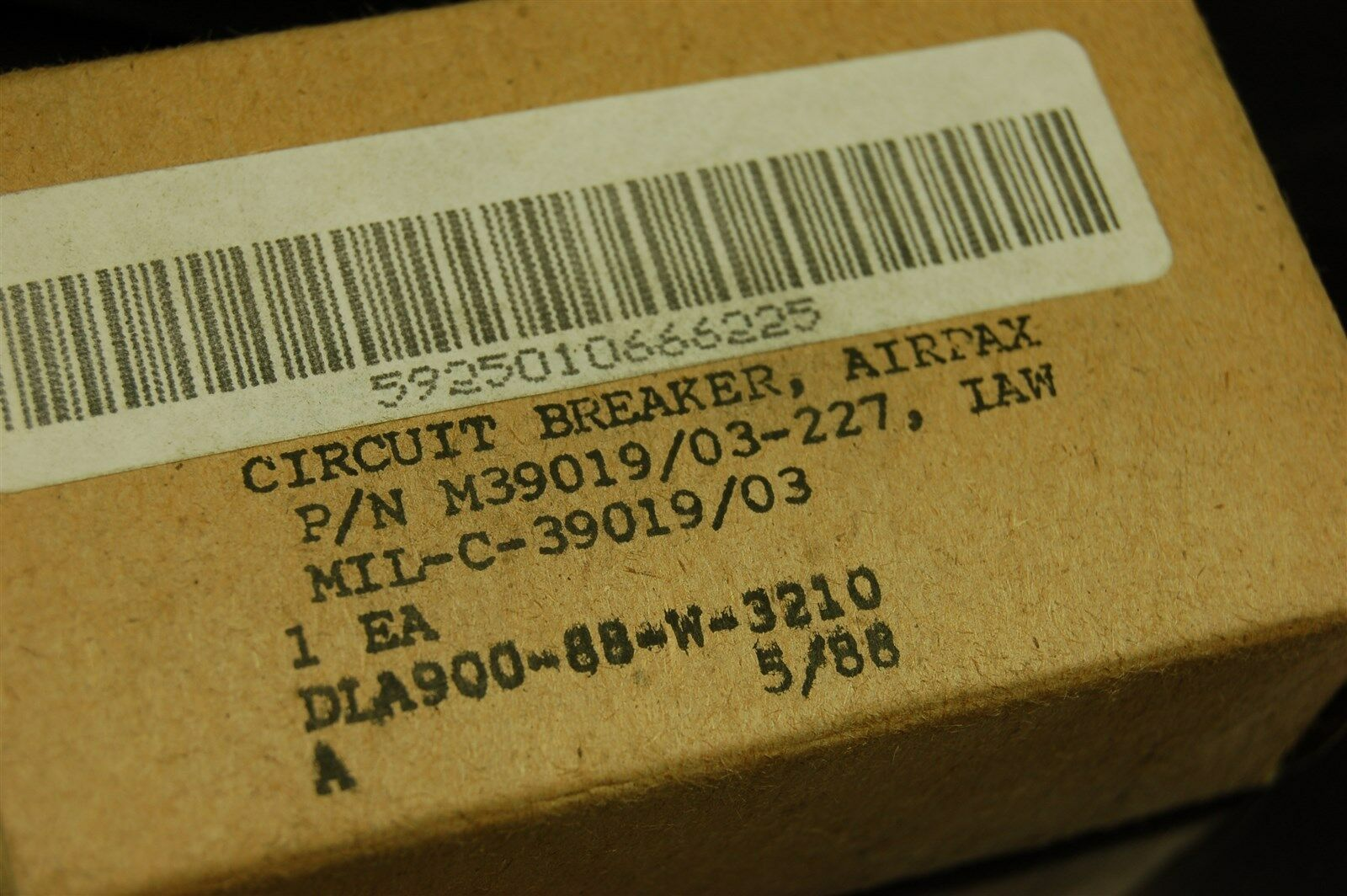 Airpax 2 Pole 240vac 50vdc 4a 09 Sec Time Delay Circuit Breaker Timedelaycircuit M39019 03 227 Ebay