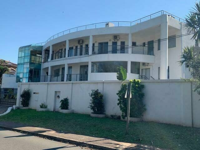 9 BED HOUSE FOR SALE IN BLUFF