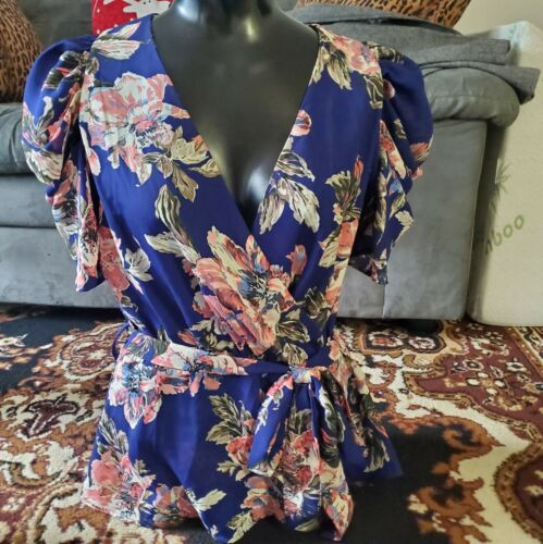 Milk and Honey Blouse, Size L