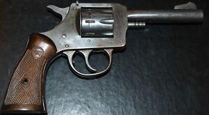 H & R Pistol Grips 929,930, 732 3 & 1/4