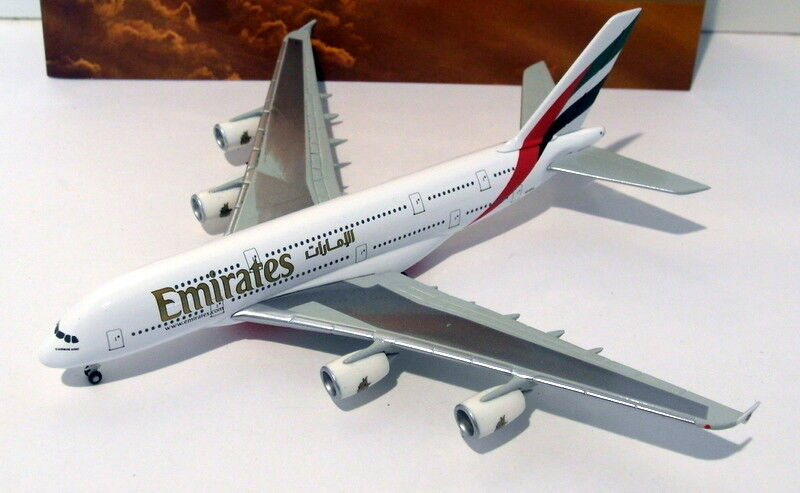 Herpa Wings 1 500 Scale Diecast-Emira 380 Emirates A380 A6-EDA Special Box