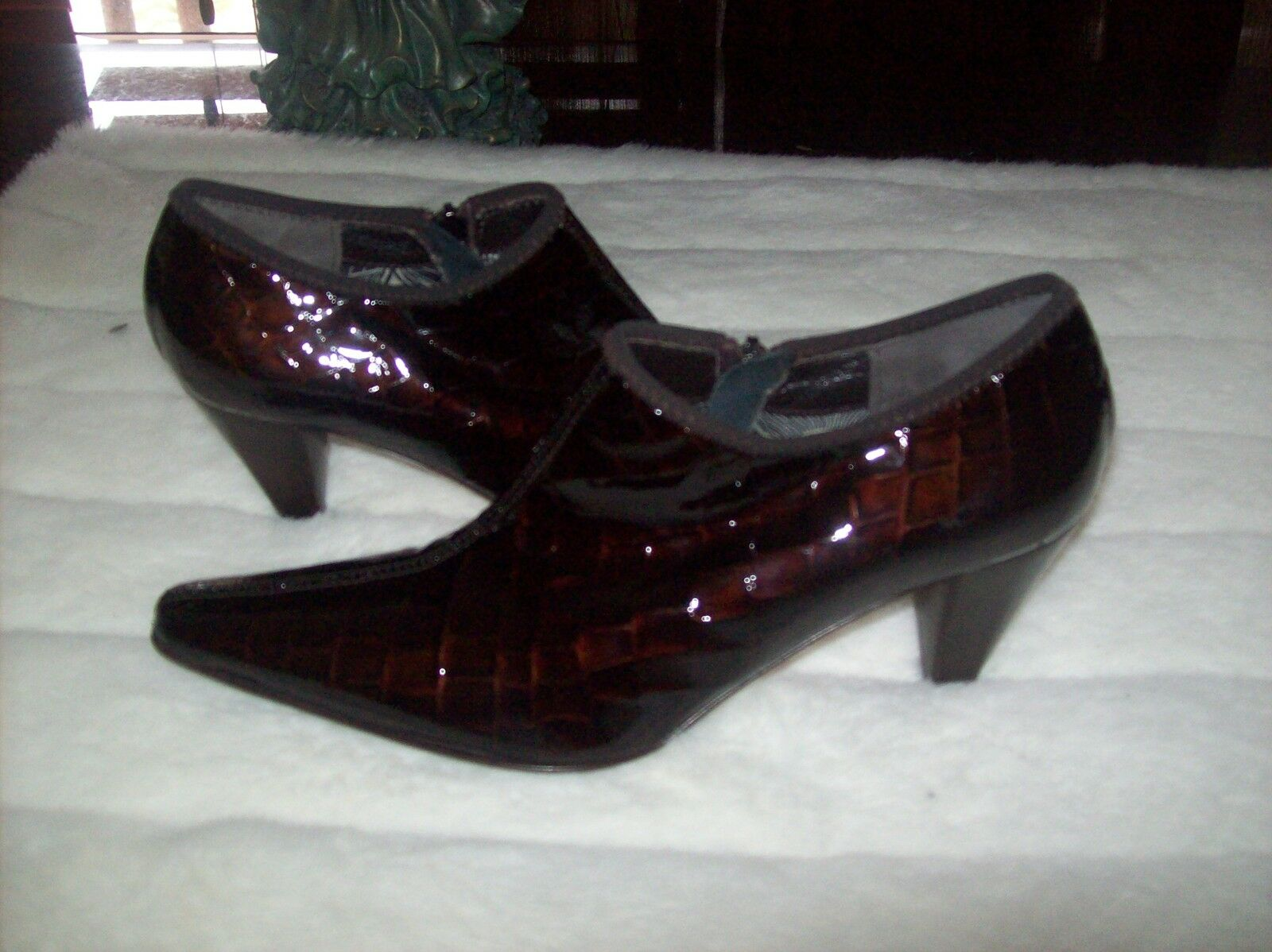 Aquatalia by Marvin K crock patent pointy toe ankle boots shoes sz 7.5 new