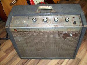 Gibson-Combo-Tube-Amp-GA-17-RVT-Scout-1964-2-Channels-1-Speaker