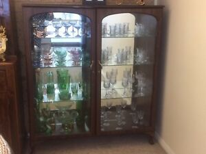 Vintage-China-Crystal-Cabinet