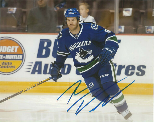 Vancouver Canucks Brandon Prust Signed Autographed 8x10 NHL Photo COA C