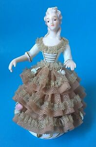 Porcelain-Victorian-Lady-Figurine-Dresden-Lace-Gown-Rose-Arms-Away-Unsigned-6492