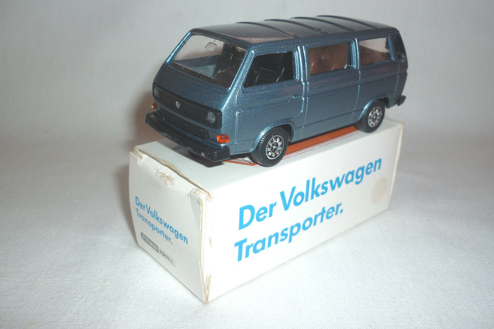 SCHABAK - MODELL - VW WERBEMODELL CARAVELLE T 3 SYNCRO - 1 43 -  (3.DIV-21)