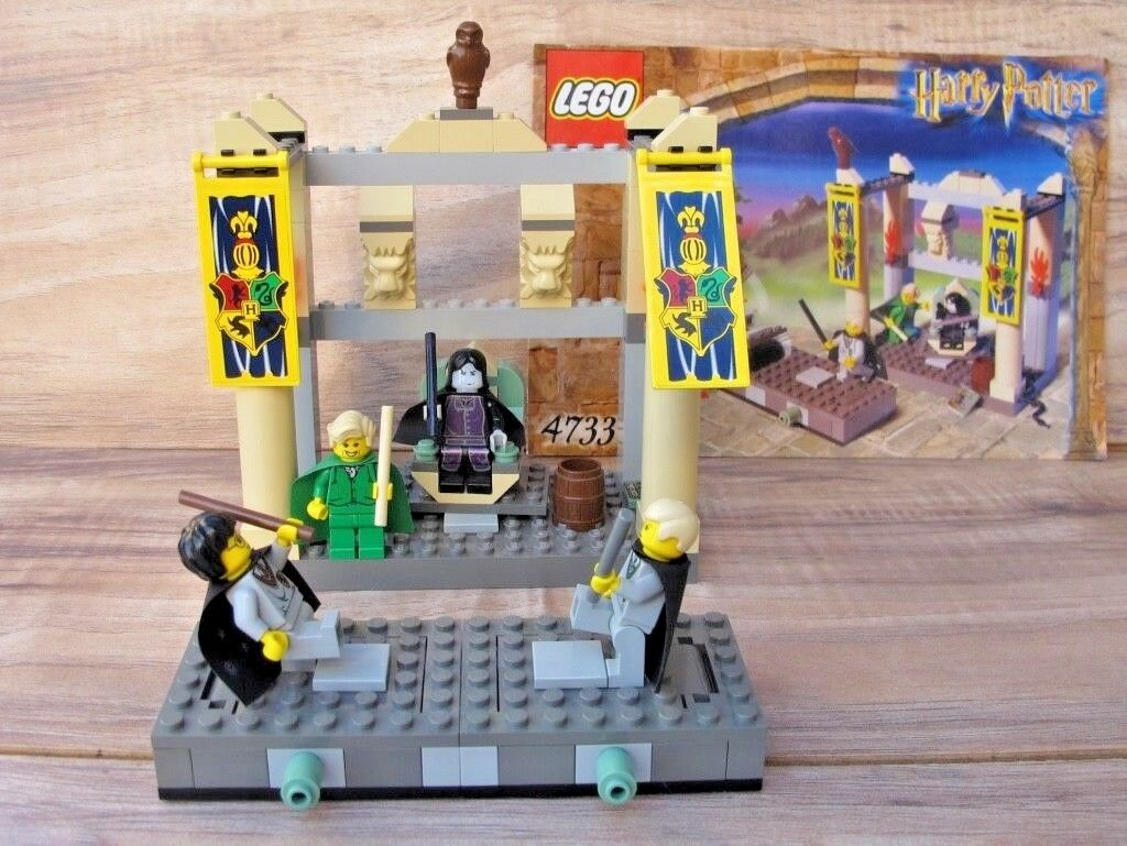 HARRY POTTER LEGO 4733 Dueling Club - 100% Complete + Manual - EUC