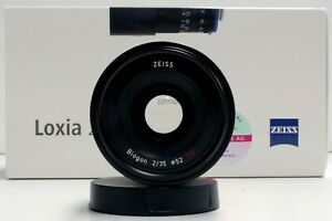 Zeiss-Loxia-35mm-f-2-Sony-E-Mount-Lens