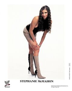 WWE-STEPHANIE-MCMAHON-P-724-AUTHENTIC-LICENSED-8X10-PROMO-PHOTO-VERY-RARE