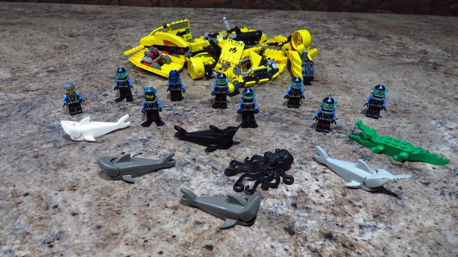 Lego Aquanauts Crab Crusher Submarine