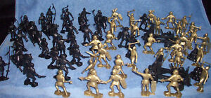 MARX-toy-soldiers-Knights-battle-lot-over-60-pieces-2-armies-playset