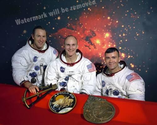 Photograph NASA Shuttle Apollo 13 Crew   8x10