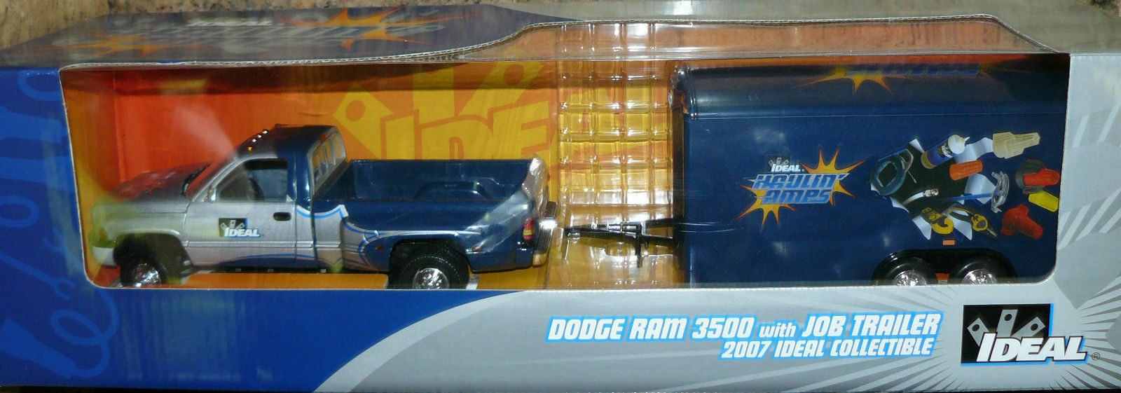 1 18 Dodge Dually with enclosed trailer, Very hard  to find, AS IS,  nouveau style