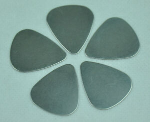 Lots-of-36pcs-Thin-0-3mm-Stainless-Steel-Rock-Guitar-Picks-Plectrum-New