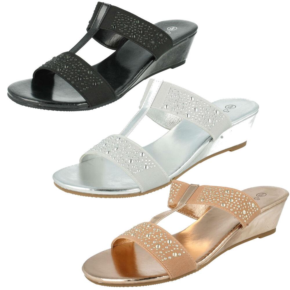 Femmes Savannah F10736 Slip On Talon Compensé Mules Sandales Plage Chaussures Lustre Brillant