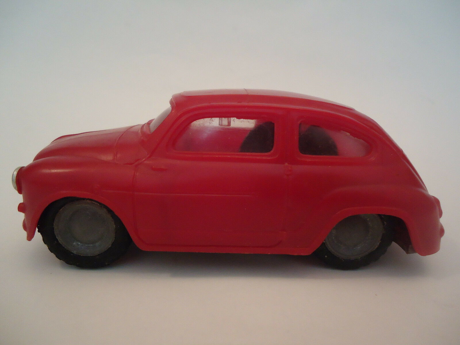 Vintage Rare rosso Fiat 600 Friction Toy Car Foreign Hungary