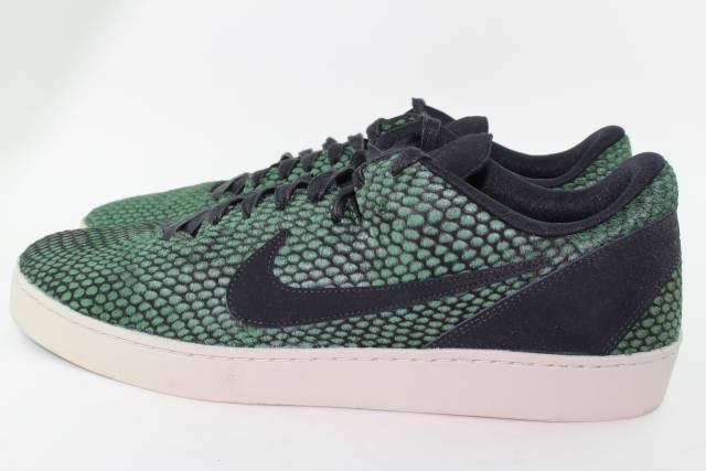 f05a7f872064 Nike Men s Kobe 8 NSW Lifestyle Le Casual Shoe 11 for sale online