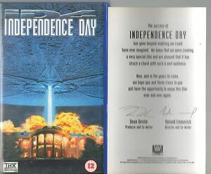 INDEPENDENCE-DAY-VHS-VIDEO-WITH-HOLOGRAPH-ART-CARD-WILL-SMITH-JEFF-GOLDBLUM