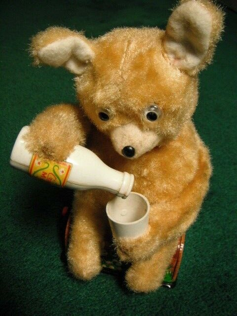 RARE VINTAGE BATTERY OPERATED TOY BEAR DRINKING CRAGSTAN MILK TIN LITHO LOG BASE