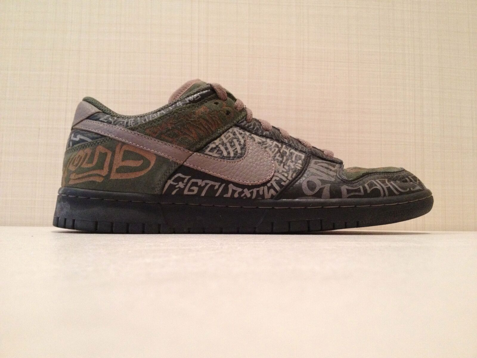 Nike Dunk Low Premium  Doernbecher  VNDS Size 12- Only 1000 Pairs Made