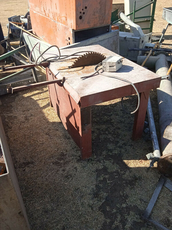Wooden circular table saw for sale