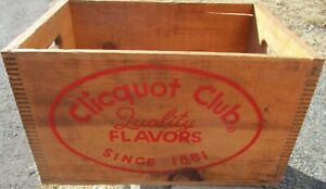 1920's CLICQUOT CLUB SODA FINGER JOINTED WOOD BOX CRATE w/ KLEE-KO ESKIMO