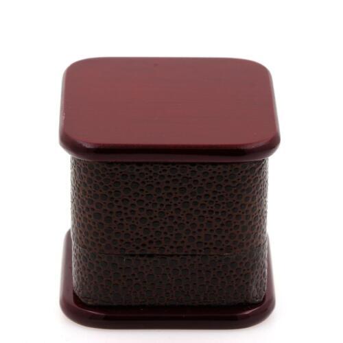 Ecrin bague en bois rouge et simili cuir