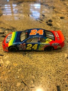 Jeff-Gordon-24-Dupont-1999-Monte-Carlo-1-32-Diecast-Stock-Car-NASCAR-Hasbro-Inc