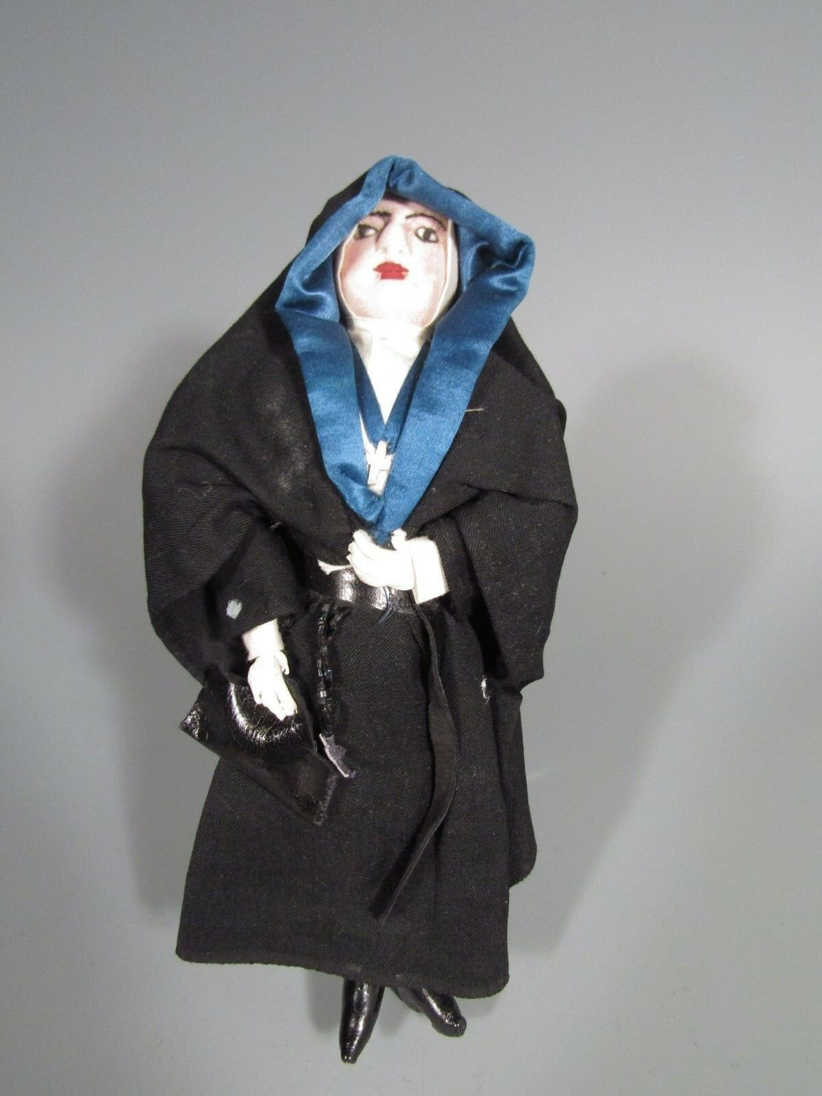 Fine Latin Central or South American Doll Figure of a Nun ca. 19-20th c.
