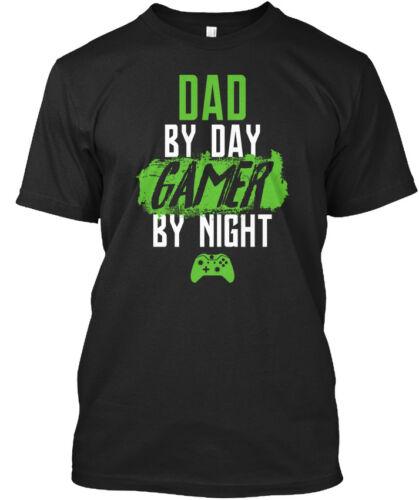 Papa par jour XB-Jeu de nuit Standard Unisexe T-Shirt