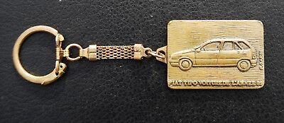 Alter Fiat Tipo Schlüsselanhänger Auto Des Jahres 1989 / Voiture De L´annee 89