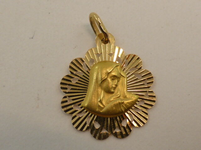 New 18ct Solid Yellow gold Mother Mary Mawomen Medal Pendant