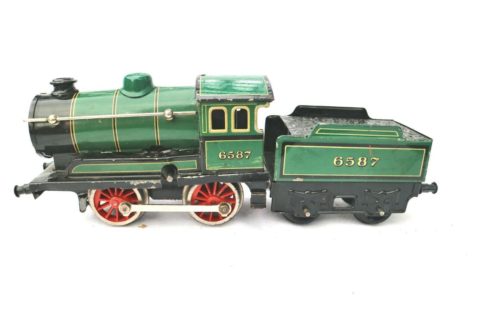 J030  Bing  O Gauge 040 Prewar Clocklavoro  Locomotive  & Tender 6587